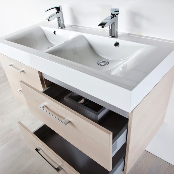 http://www.mobilibagnonline.it/wp-content/uploads/2013/11/mobile-bagno-120-rovere.jpg